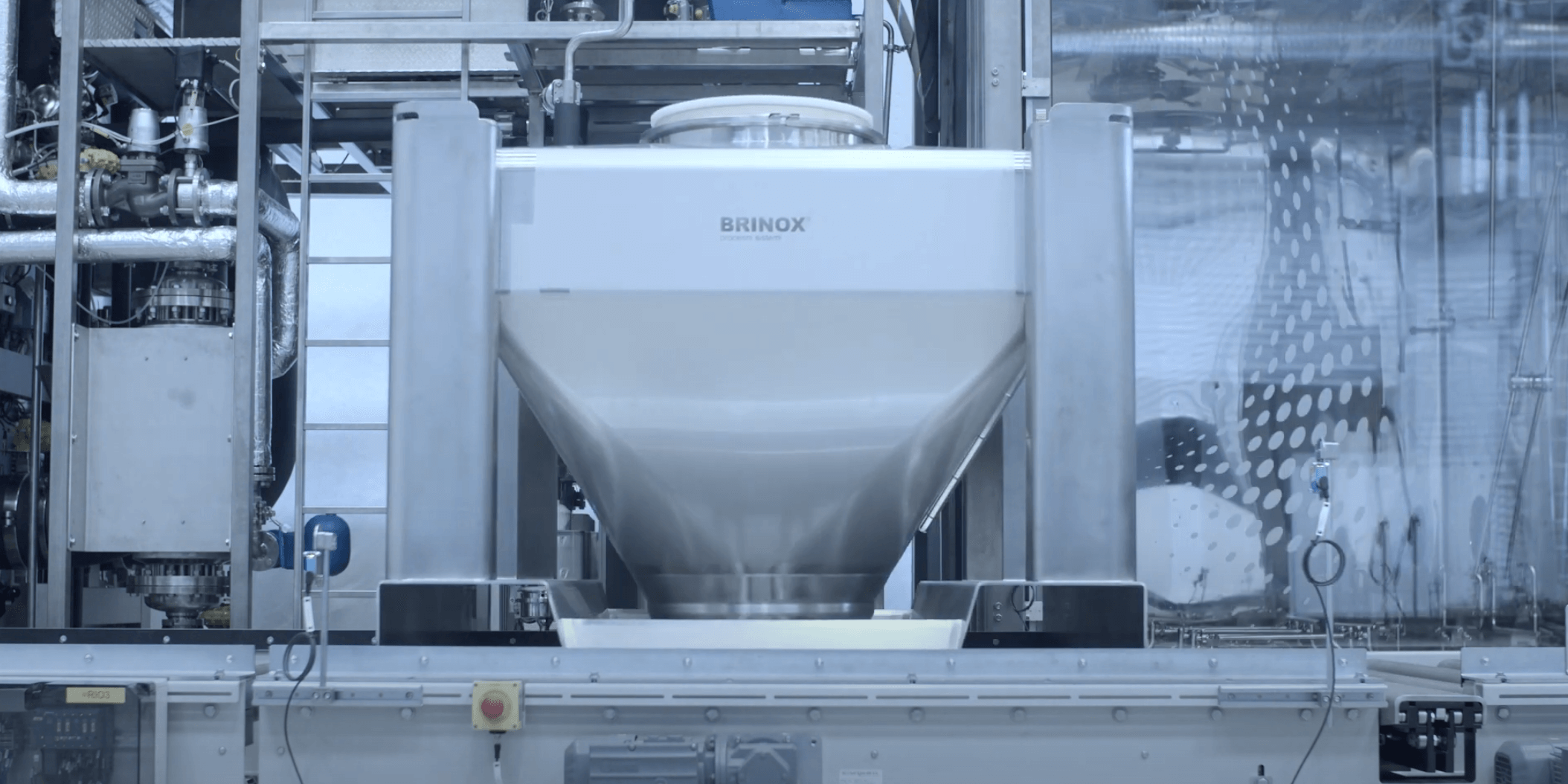 Brinox automatic IBC Washer with transport system
